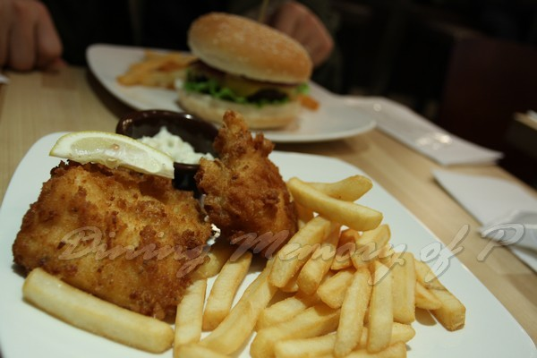 Burger Republic -- 炸魚薯條