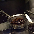 一月 -- 把黑椒醬汁過濾