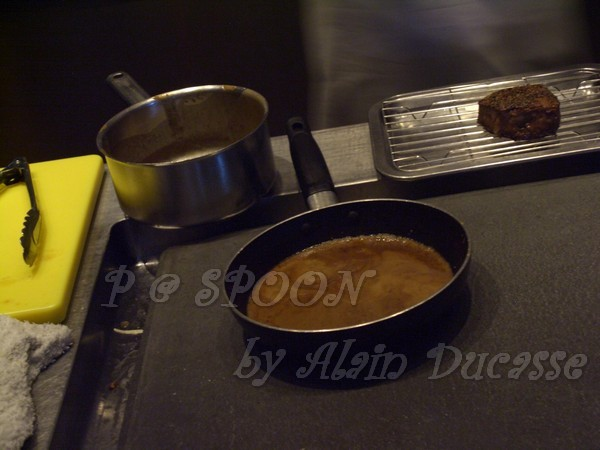 一月 -- 下黑椒醬汁