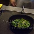一月 -- 把奶油蒿苣炒軟
