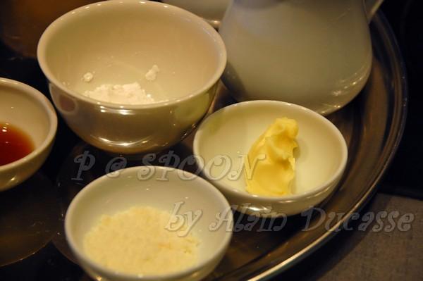 一月 -- 奶油、起司、麵粉