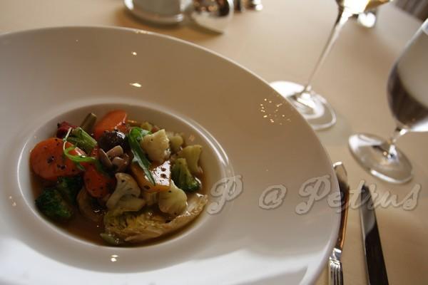 Petrus -- 黑松露燴蔬菜 (1)