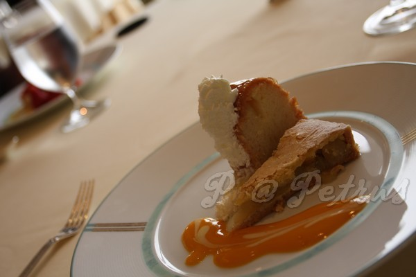 Petrus -- 蘋果塔 & 蘭姆酒蛋糕