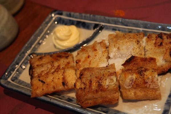 福 爐端燒と牡蠣処 -- 銀鱈魚中骨