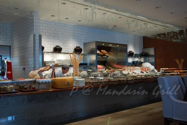 Mandarin Grill & Bar -- 取餐區