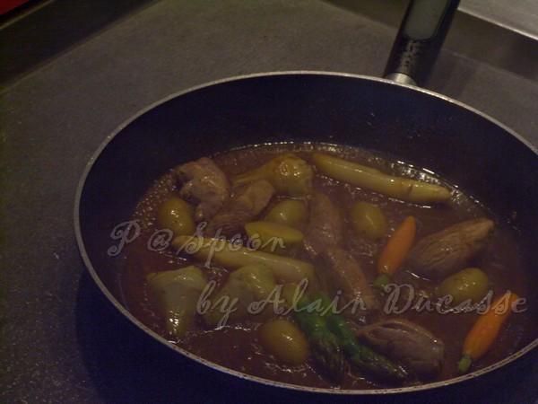 三月 -- 讓材料在醬汁中稍微燜煮
