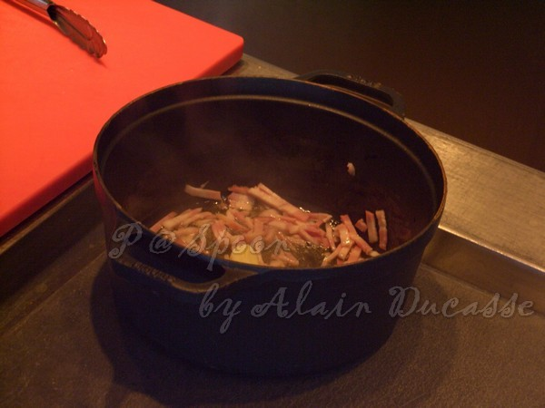 三月 -- 把培根下鍋炒