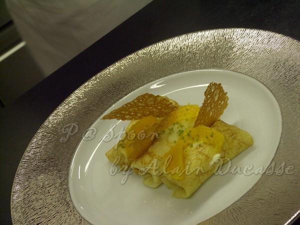三月 -- 尚未飾盤的香橙薄餅
