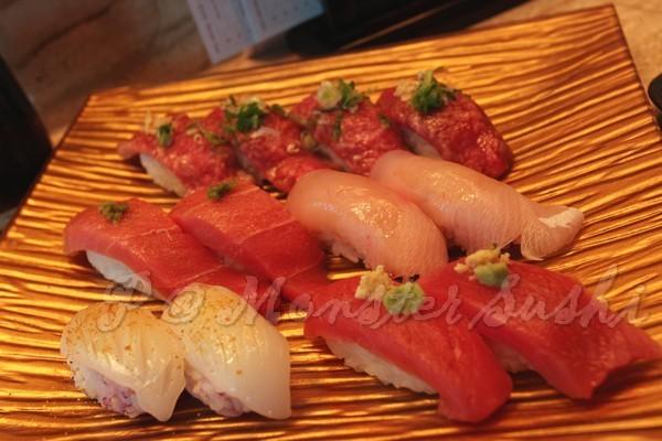 Monster Sushi -- 上:和牛壽司 <br>中:柚子胡椒中鮪腹壽司 & 間八壽司 <br>下:花枝壽司 & 赤身壽司