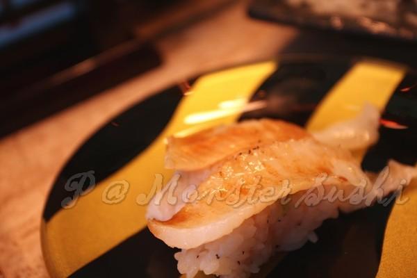 Monster Sushi -- 平目鰭肉壽司