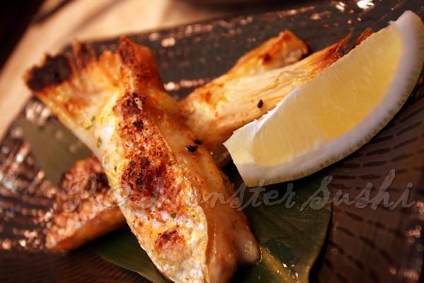 Monster Sushi -- 燒鮭魚鰭 (1)