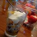 雜果伴香草冰淇淋