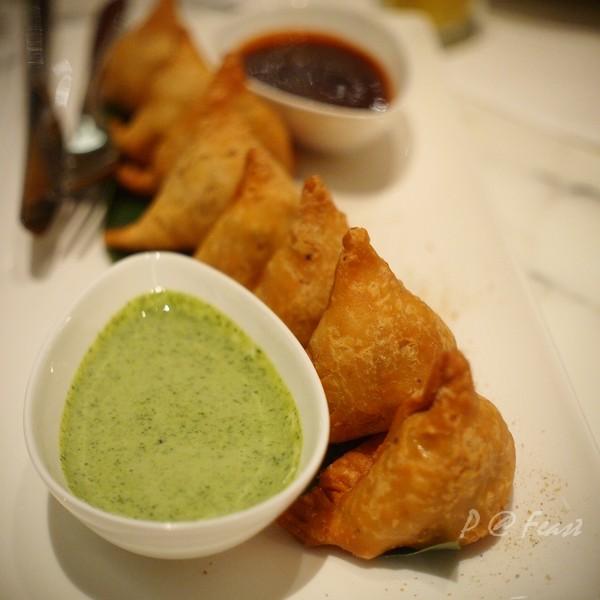Feast - 蔬菜咖喱角