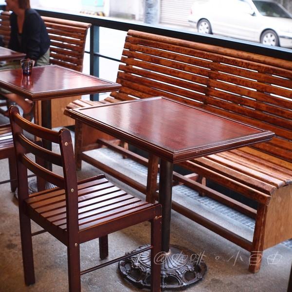 咖啡.小自由 - 木椅