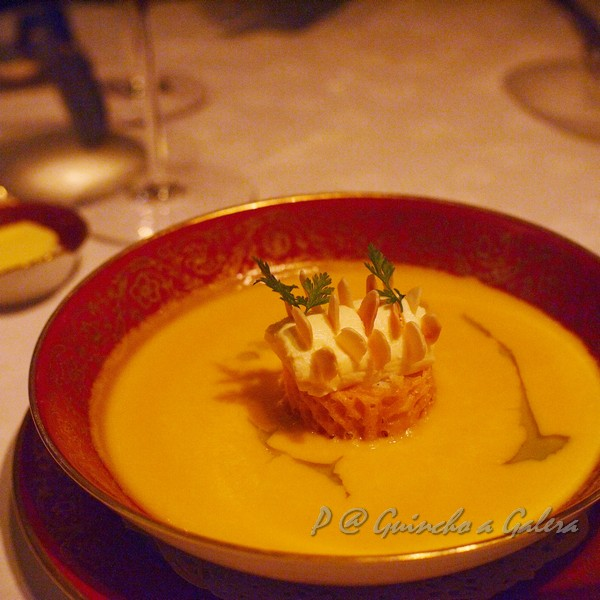 Guincho a Galera - 蟹肉南瓜湯配自家製起司 (Pumpkin Soup with Crab Meat and Home-made Cheese)