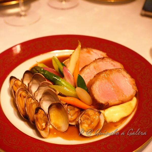 Guincho a Galera - 燒黑豬配蜆 (Roasted Black Pork with Clams)