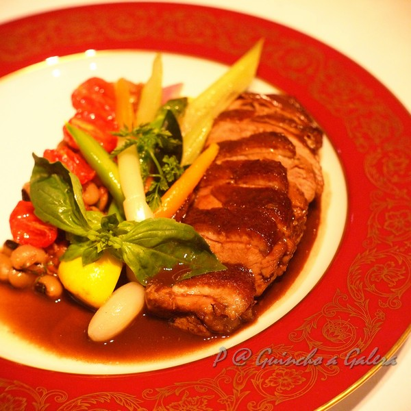 Guincho a Galera - 特式焗鴨飯配鴨血汁 (Royal Duck Rice with Braised Duck Breast in a Blood Sauce)