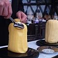 Robuchon au Dôme - 以鐵匙刮取奶油