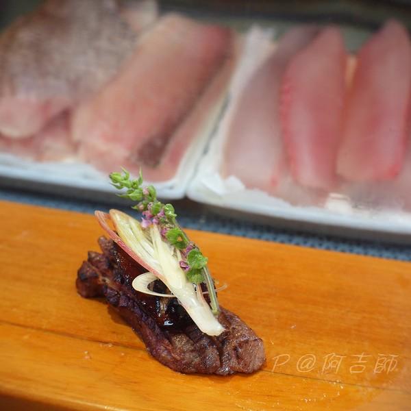 阿吉師 - 炙肥肝和牛壽司