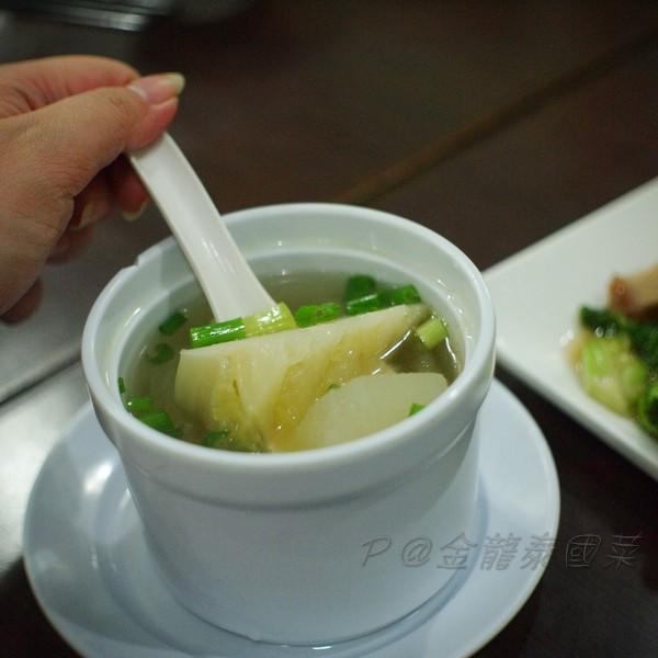 金龍泰國菜 -- 冬瓜雞湯