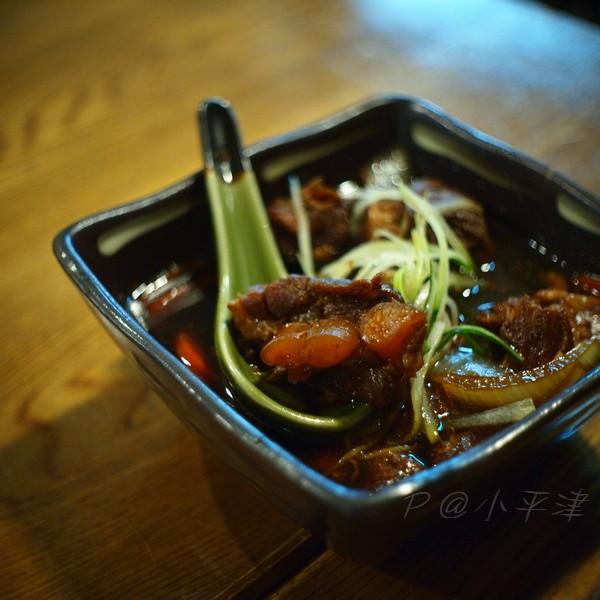 小平津 -- 汁煮豬軟骨