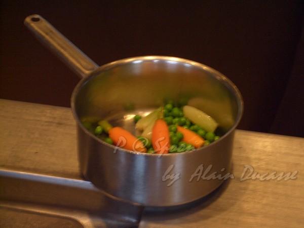 五月 -- 以奶油溫熱蔬菜