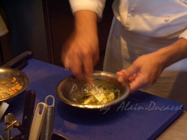 五月 -- 把奶油、海膽和龍蝦腦髓混合 (3)