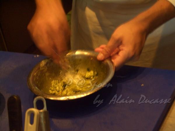 五月 -- 把奶油、海膽和龍蝦腦髓混合 (4)