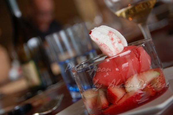 五月 -- 草莓冰點配蛋白甜餅 (6)