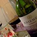 另一友人 OL 帶來的紅酒