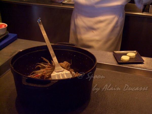 六月 -- 把小螯蝦殼放到鍋裡翻炒 (3)