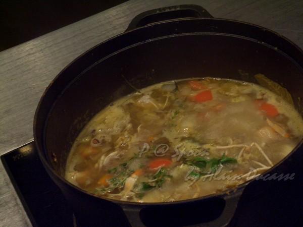 六月 -- 小螯蝦高湯熬煮中 (2)