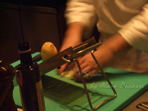 六月 -- 馬鈴薯刨成薄片 (1)