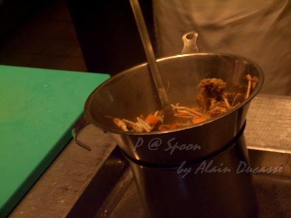 六月 -- 把小螯蝦高湯過滤 (3)