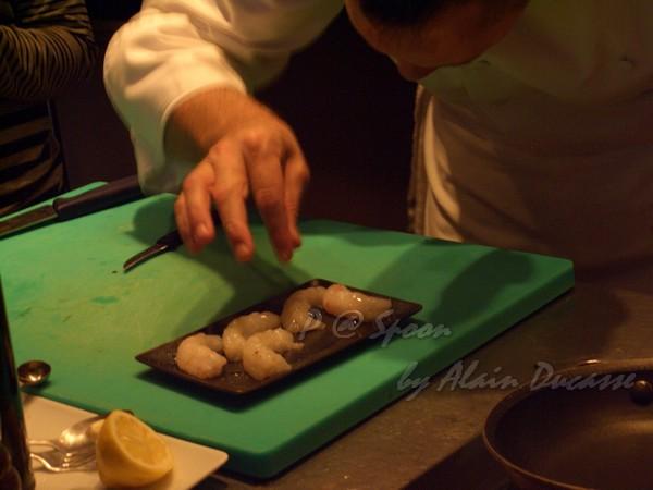 六月 -- 小螯蝦灑鹽調味