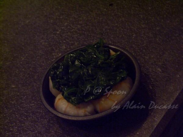 六月 -- 把菠菜放到小螯蝦上