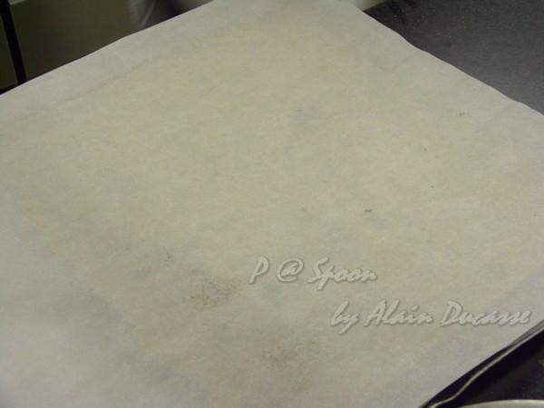 六月 -- 覆上烤焗用紙
