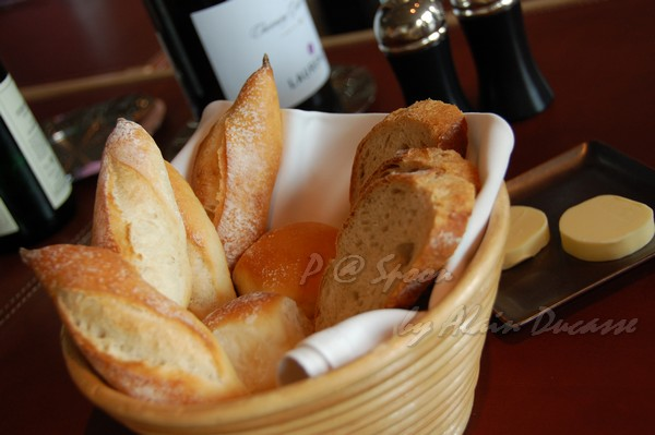 六月 -- 麵包籃