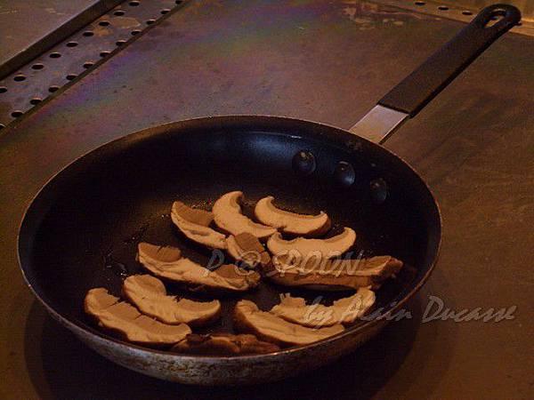 九月 -- 香煎牛肝菌(2)