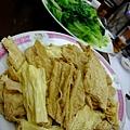 順德聯誼總會 -- 羊腩煲附贈的枝竹生菜