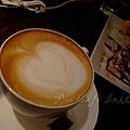 Cafe Initial -- 杏仁歐蕾