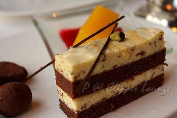 快船廊 -- 雙色巧克力蛋糕