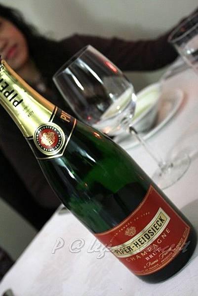 Lengend Concept -- 香檳 (1)