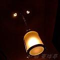 東洋亭 -- 牆燈