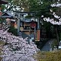 清水寺 -- 地主神社