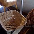 Iyemon Salon - 放包包的藤籃