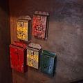 香港大排檔 -- 懷舊鐵皮信箱