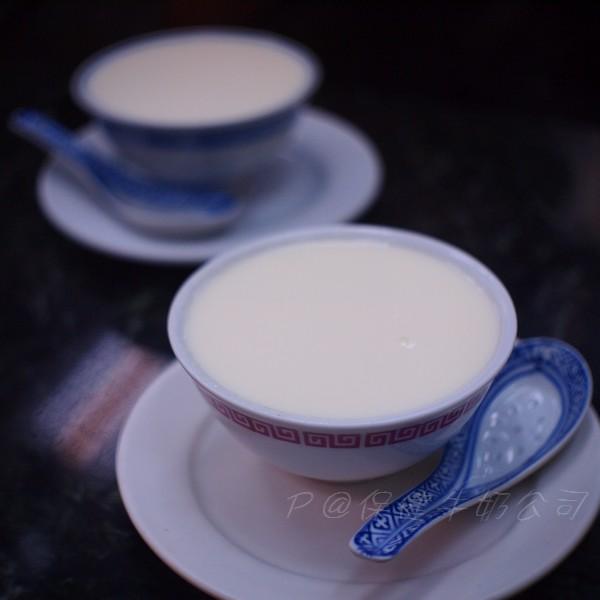 保健牛奶公司 -- 薑汁撞奶