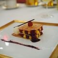 Don Alfonso -- 蕃紅花奶油千層酥及紅酒燴香梨