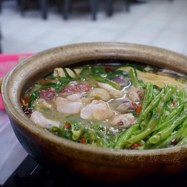 石獅美食 -- 糯米酒雞鍋